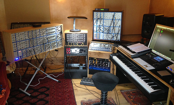 Two Pioneer Tribute modulars in action - Exclusively Analogue
